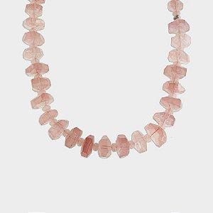 Colar em Prata 925 e Pedras Naturais em Quartzo Rosa