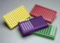 Rack para tubos de 1,5ml e de 0,5ml vermelha com tampa FlipStrip™