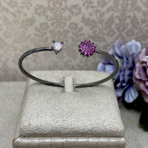 Bracelete Flor e Coração Quartzo Rosa Semijoia Ródio Negro