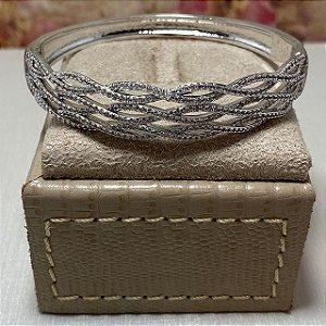 Bracelete Trançado Cravejado de Zircônias Semijoia Ródio