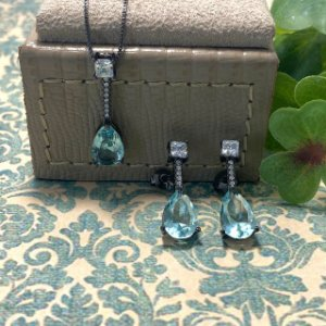Conjunto Cristal Água Marinha com Zircônias Semijoia Ródio Negro