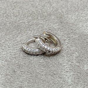 Brinco Argolinha Pequena Cravejada em Prata