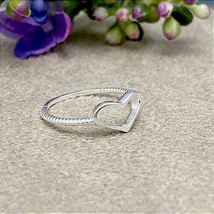 Anel Coração Vazado em Prata
