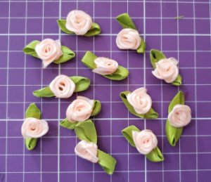 Flor de Rococó com folha Salmão