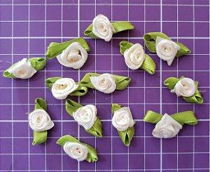 Flor de Rococó com folha Creme