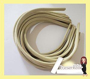 Tiara Plástica encapada 10mm Marfim