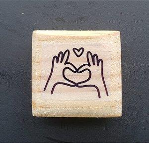 Carimbo Coração com a Mão  4x4