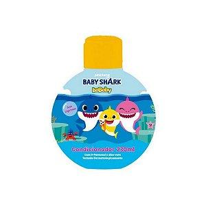 Shampoo IsaBaby Baby Shark 230ml ( Com D-Pantenol e Aloe Vera )...
