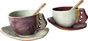 Dupla de xícaras com pires e colher