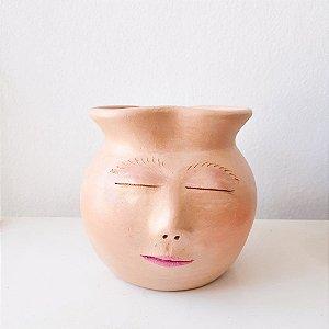 Jarro em cerâmica com rosto pintado a mão