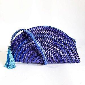Bolsa azul em palha de piaçava pequena