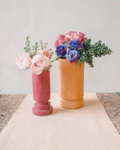 Jarro cilíndrico terracota em cerâmica