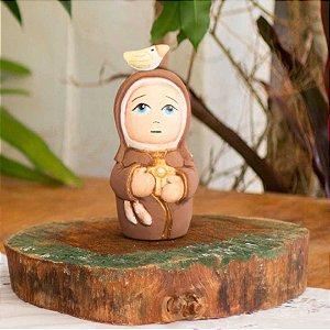 Escultura de Santa Clara em cerâmica