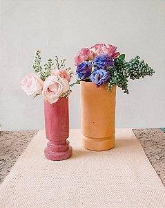 Jarro com pedestal rosa