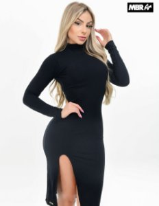 Vestido canelado fenda preto