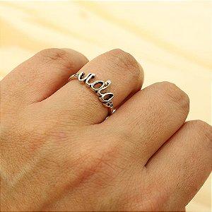 Anel em prata 925 escrito a palavra Vida
