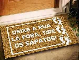 Tapete Capacho Deixe a Rua La Fora 60x40 - Ouro