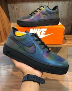 TÊNIS NIKE AIR FORCE - HOLOGRÁFICO