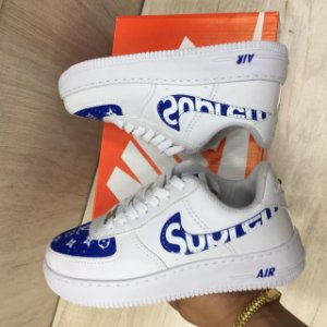 NIKE AIR FORCE BRANCO SUPREME AZUL - MASC / FEM