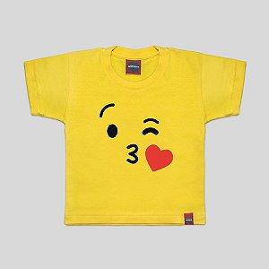 Camiseta Infantil Emoji Kiss Amarela