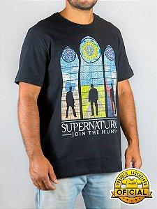 Camiseta Supernatural Join The Hunt Preta