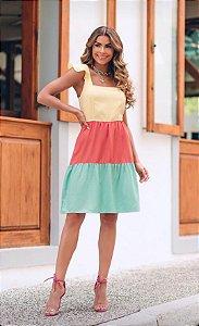Vestido curto de alça tricolor, tecido viscolinho.