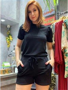 Conjunto de shorts e blusa em Moletinho com bolso. Na cor preta