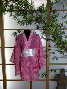Kimono Curto Brilho Rosa