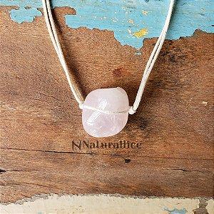 Colar Aromático/ Difusor Pessoal em Pedra Natural Rolada Quartzo Rosa – Naturallice