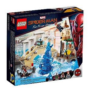 LEGO Marvel Super Heroes Spider-Man Longe de Casa Ataque Hydro-Man