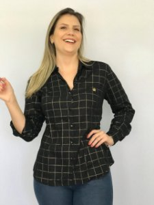 Camisa em tricoline 44