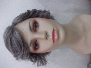 PROTESE FEMININA MICRO PELE cabelo grisalho