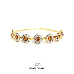 Tiara de Metal Flores Brancas com Dourado  - T204