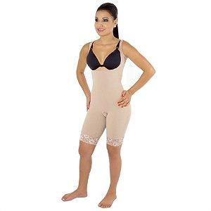 Modelador EMANA® fechado, s/ busto, perna meia coxa e alça com regulagem.