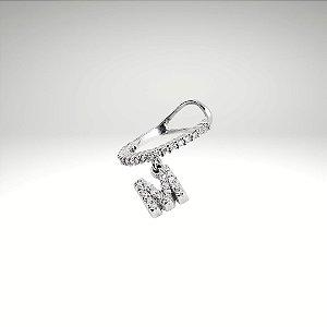 Piercing de Diamantes com Letra M