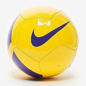 Bola Futebol Campo Nike Pitch Team SC3166 - Amarelo/Violeta
