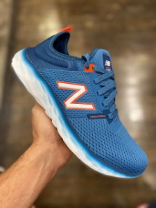 Tênis New Balance Fresh Foam Sport v2