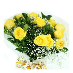 Buque de Flores Naturais 12 Botões Amarelos Celofane
