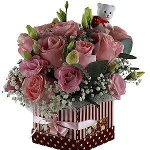Buque de Flores na Caixa Elegante