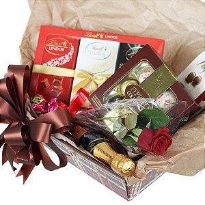 Cesta Chocolates Importados  para Ele ou Ela