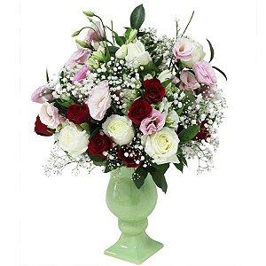 Arranjo Elegante com Rosas Variadas para Mesa