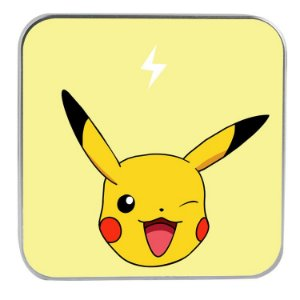 "CARREGADOR PORTATIL ""POWERBANK"" PIKACHU COM 7.800 mAh"