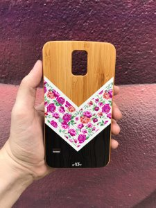 "Capa para Celular ""Case"" Flores e listras Bambu Samsung"