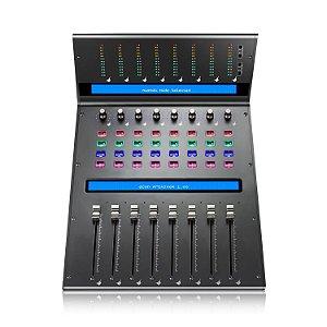Controladora MIDI e mixer de áudio iCON QCon Pro XS acoplável