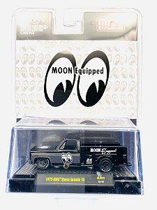 Pré venda - M2 MACHINES MIJO EXCLUSIVES MOON EQUIPED 1975 GMC SIERRA GRANDE 15 SQUARE BODY TR