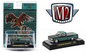 """M2 1:64 1973 Chevy Custom Pick Up Caminhão """"Riverside Show """""""