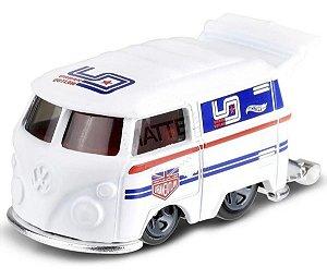 Kool Kombi Volkswagen Magnus Urban Outlaw 1