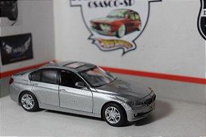 BMW 335i - 1/32