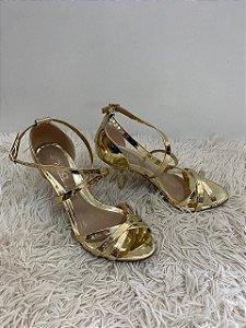 Sandália Vizzano Verniz Premium Dourado número 36