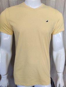 Camiseta Amarela em Gola V Enfim